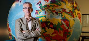 University of Calgary Geoscience professor David Eaton has published a paper that provides new insights into the birth of continents.