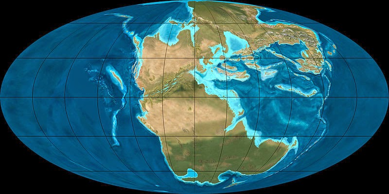 Triassic period geology page late triassic 220ma the maps below are mollewide oval globe projections showing global paleogeography for the past 600 million years gumiabroncs Choice Image