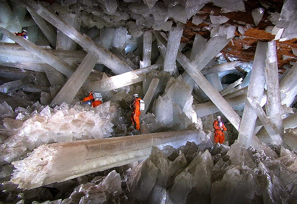 the worlds largest gypsum crystals naica