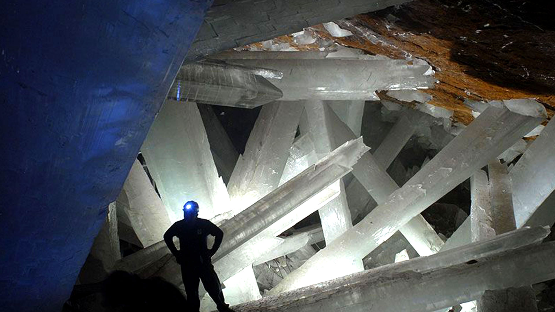 cave of crystals giant crystal cave geology page