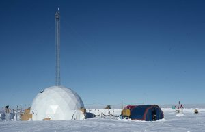 Princeton University researchers used ice cores collected in Greenland to study 800,000 years of atmospheric oxygen. Image source: Stolper, et al.