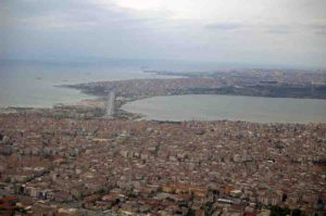 Aerial photograph of Istanbul. The entire metropolitan area is considered to be particularly earthquake-prone