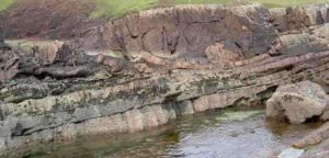 laminar beds of sandstone