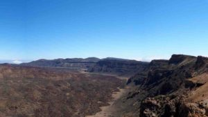 A detail of the southern wall of the Las Cañadas caldera de . It is the best exposed sector of this volcanic structure. (Imagen: Joan Martí)