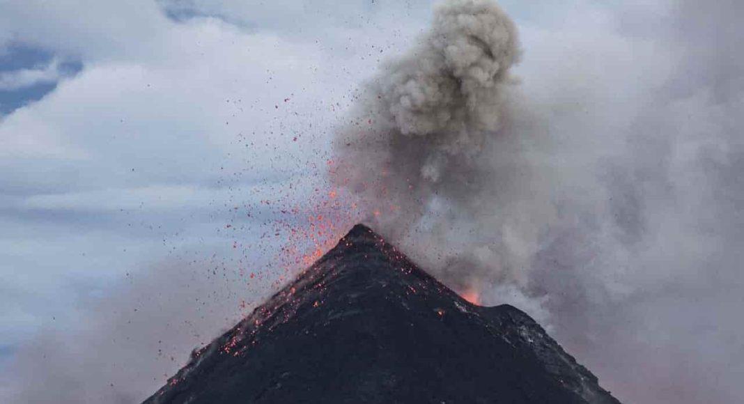 volcanic eruption in australia