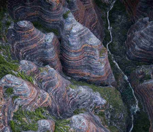 Arial view of the Bungle Bungle range, May 2016. Credit: Creative Commons Attribution-Share Alike 4.0 International license. Nichollas Harrison