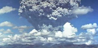 During the eruption of Mount Pinatubo in June 1991, large quantities of ash particles were ejected into the stratosphere. The eruption's impact on the climate lasted for years. (Bild: Dave Harlow, USGS)